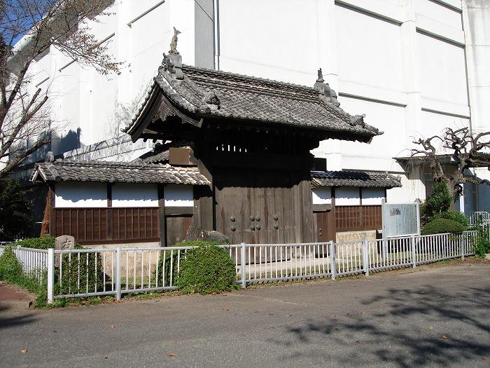 画像:陣屋と陣屋門