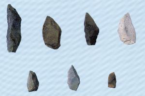 画像:半田原遺跡のナイフ形石器