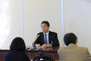画像:記者会見(1)2013.11.6