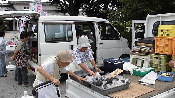 軽トラ朝市~新鮮な野菜を販売します~(毎週土曜日開催)05
