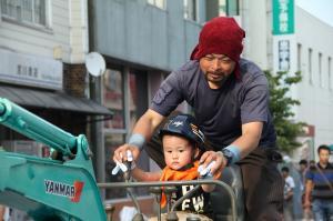 『2015_0725七夕まつり働く車』の画像