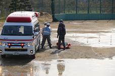 『【園部小】搬送訓練(消防・自衛隊)』の画像