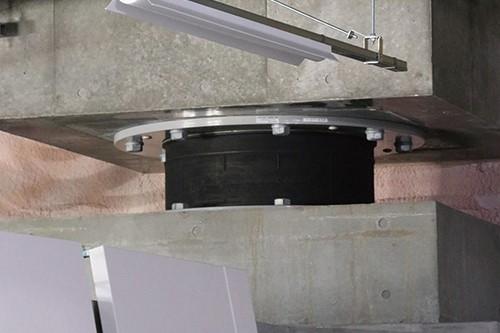 『免震装置』の画像